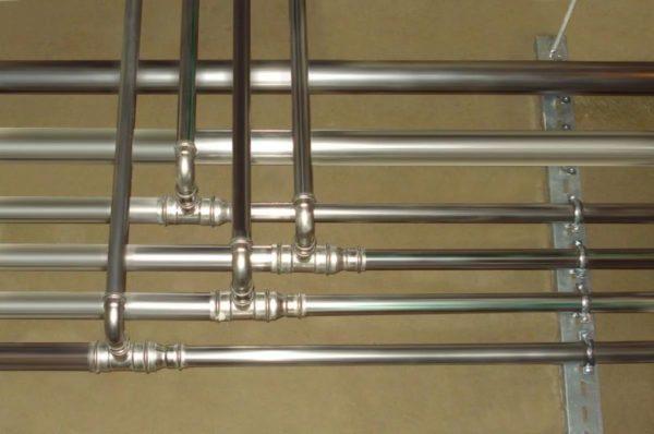 Трубопровод из металлических труб