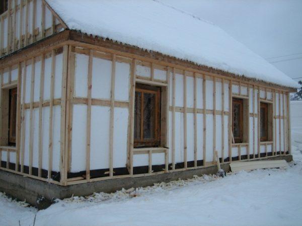 Утепление пенопластом брусового дома