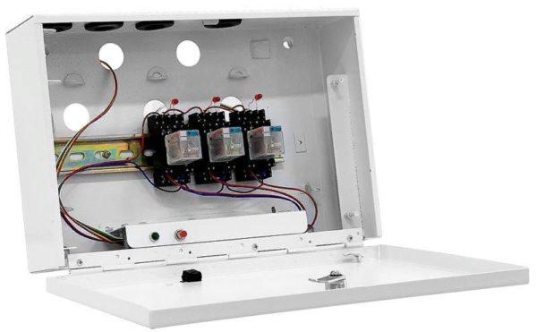 Ящик с выключателями выносного типа