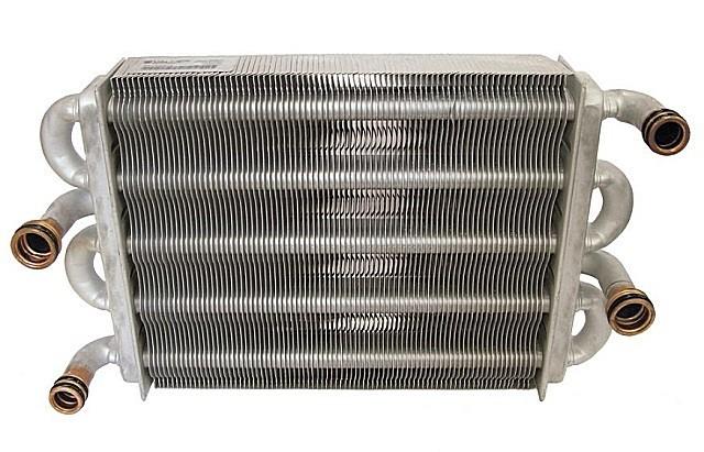 Битермальный теплообменник – четыре патрубка для подключения контуров.