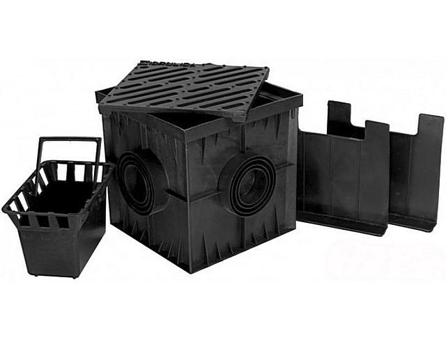 В комплект дождеприёмников часто входит встраиваемая корзина для сбора крупного мусора.