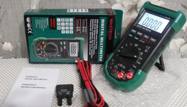 С помощью мультиметра можно измерить напряжение, силу тока, сопротивление резистора или же проверить целостность соединений и проводников