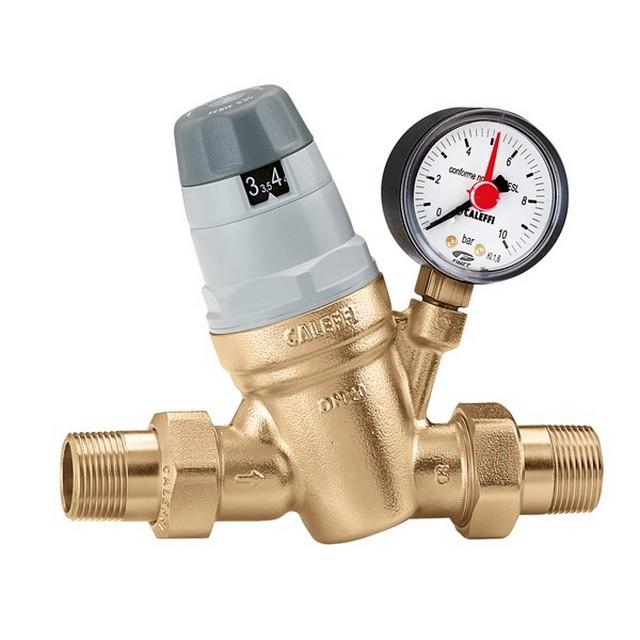 Установленный и правильно отрегулированный редуктор разом снимает проблему изюбыточного давления воды в системе.