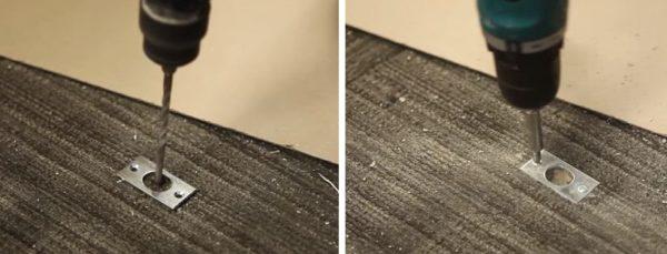 Под шпингалет сверлится отверстие в полу и прикручивается декоративная планка