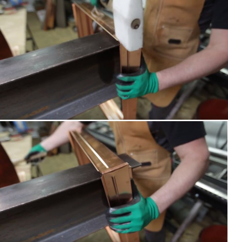 С помощью киянки соединяются все стыки по бокам основания