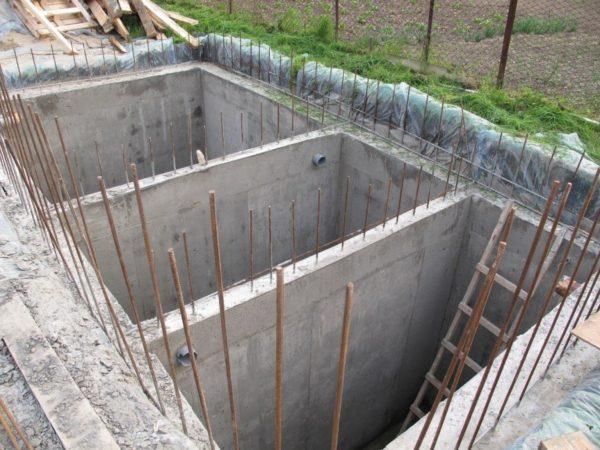 Сооружение из монолитного бетона