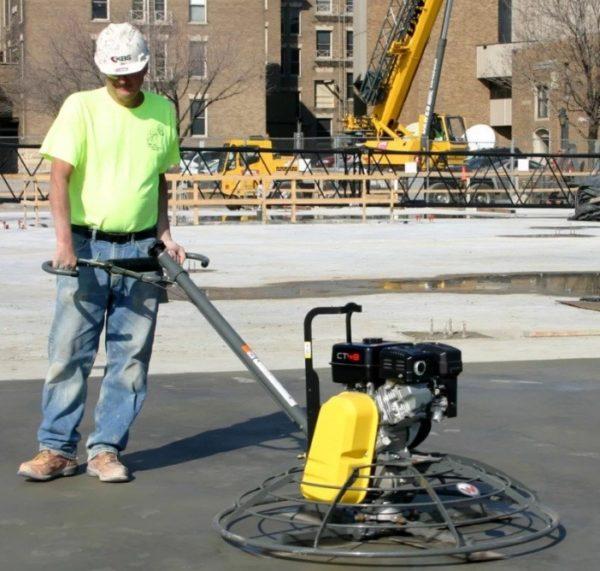 Машина для затирки бетона