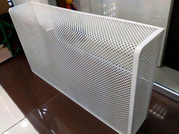 Навесной сетчатый защитный экран с боковыми стенками