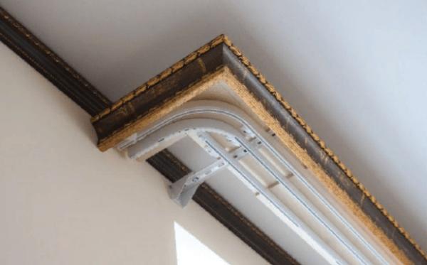 карниз для классических штор, состоящих из нескольких слоев