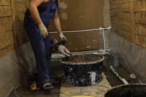 Шаг 8 – бетонирование черновой стяжки пола