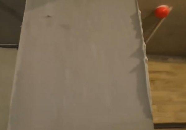 Налипшая и застывшая шпаклевка на углу