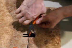 Шаг 3 – выравнивание плиток