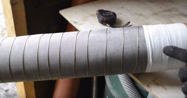 Края фильтра защищены липкой лентой