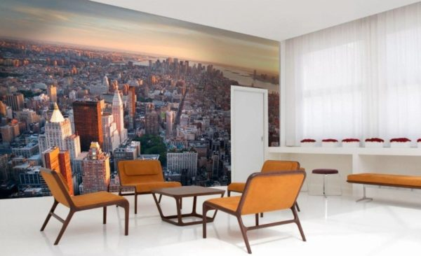 В противовес минимализму в интерьере - панорама мегаполиса