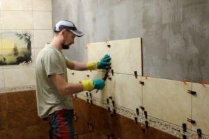 Шаг 4 – монтаж плитки на стены