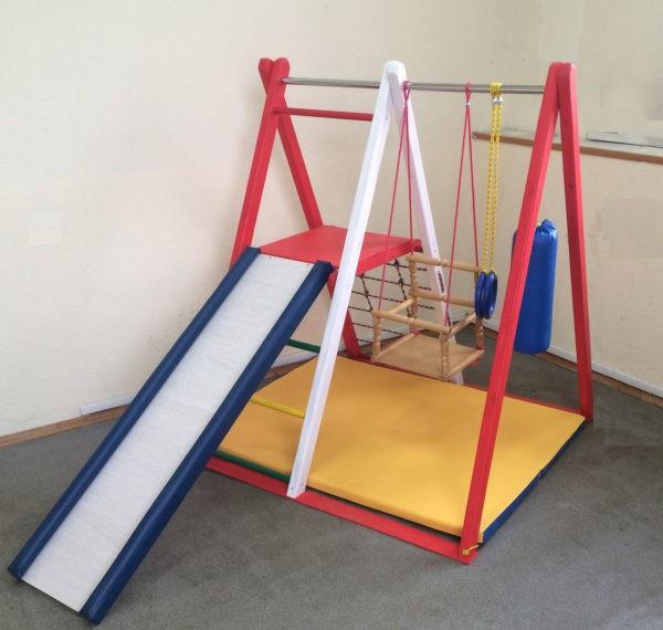 Детский деревянный спортивный уголок