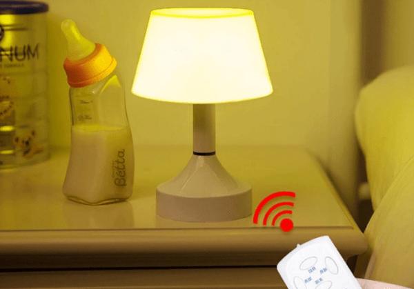 Настольная лампа с пультом дистанционного управления