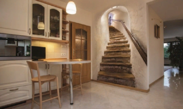 Лестница, ведущая наверх