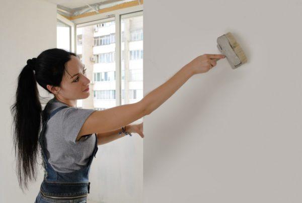 Грунтование стен - важная часть ремонта