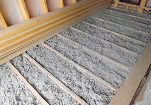 Утепление пола пенопластом в деревянном доме с армированием