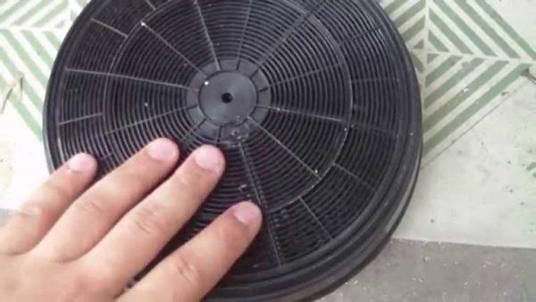 Мыть жировые фильтры же нужно при визуальном загрязнении.