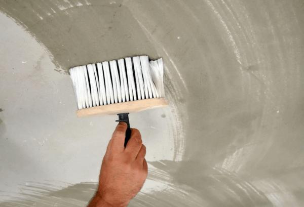 Обработка позволяет подготовить поверхность к завершающей отделке
