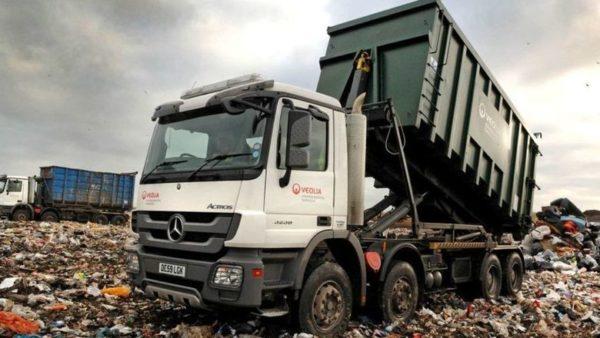 Компостная яма помогает сэкономить на вывозе мусора и спасает от штрафа