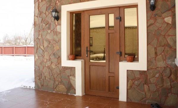 Двери с ПВХ покрытием не выгорают и позволяют реализовать любые дизайнерские решения