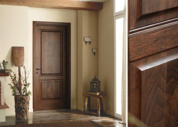 Массив - натуральный, нетоксичный и надежный материал для изготовления межкомнатных дверей