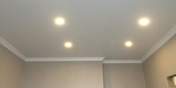 Подвесные потолки — альтернатива обоям