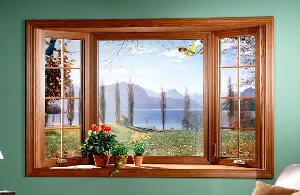 Мастера не рекомендуют уменьшать количество обоев на площадь, которую занимают окна и двери