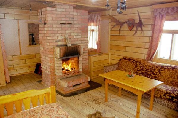 Печь не только согреет комнату, но и украсит интерьер