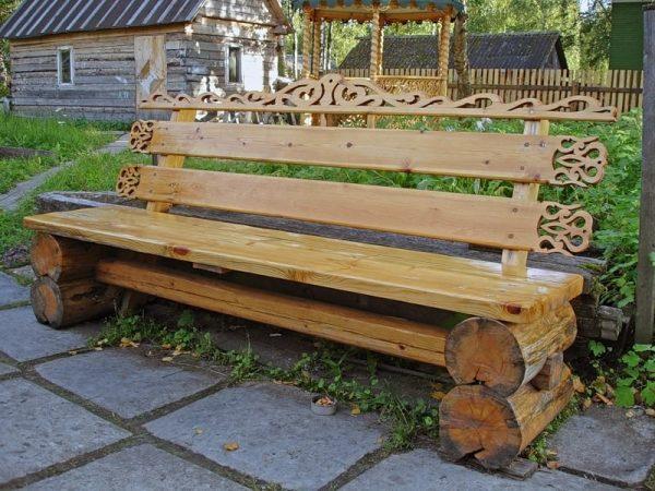 Стильно оформленная скамейка