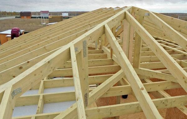 Вальмовая крыша - стропильная система