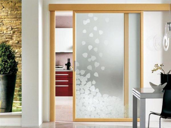 Варианты отделки межкомнатной двери