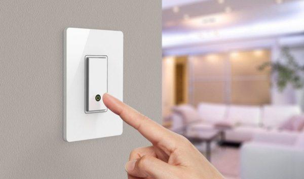 Выходя из комнаты, выключая свет, экономится 5% электроэнергии